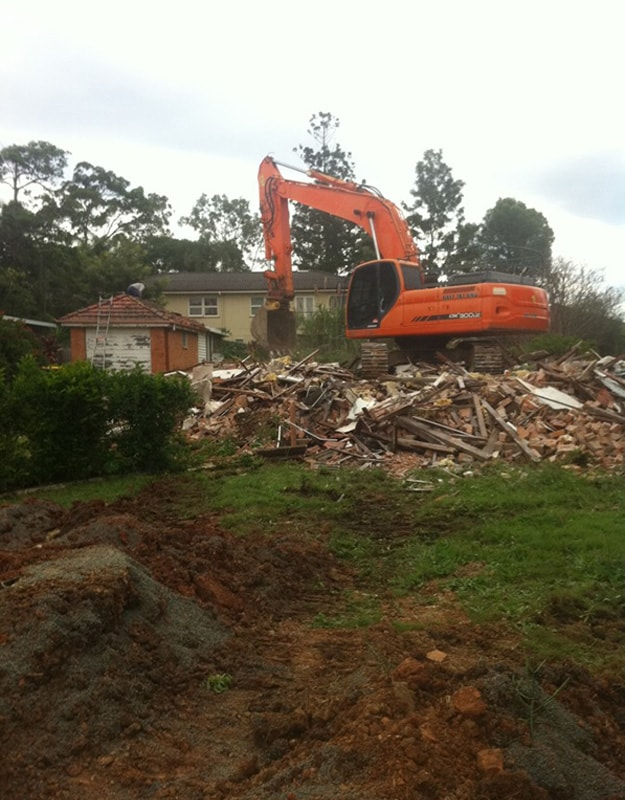 speedy demolition aboutus 2 - House Demolition